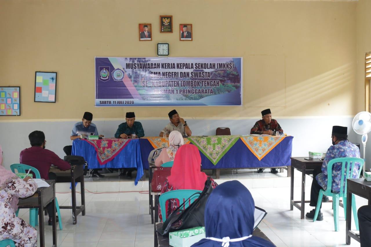 Jadi Tuan Rumah, SMAN 1 Pringgarata Sukses Gelar MKKS SMA Se-Kabupaten Lombok Tengah.