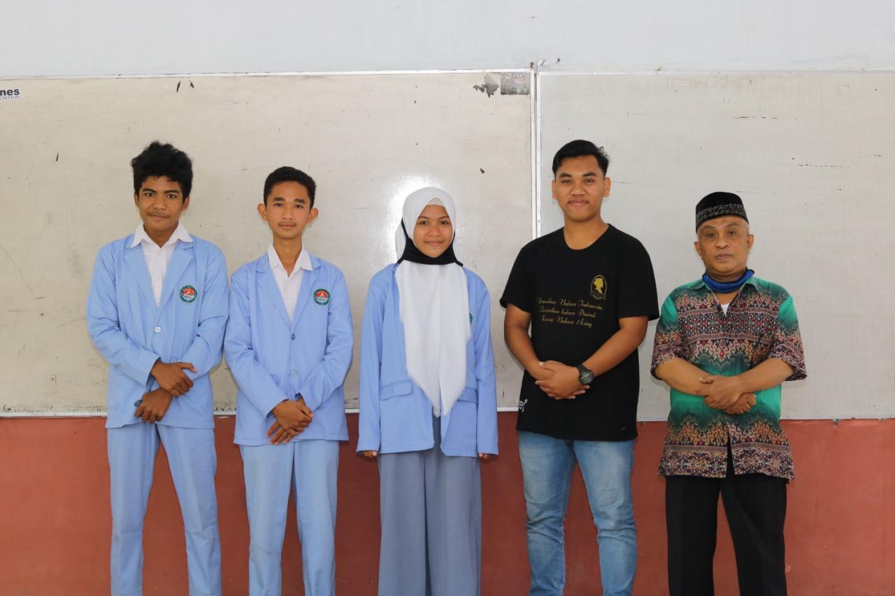 Juara II Debat Bahasa Inggris Tingkat Kabupaten Lombok Tengah