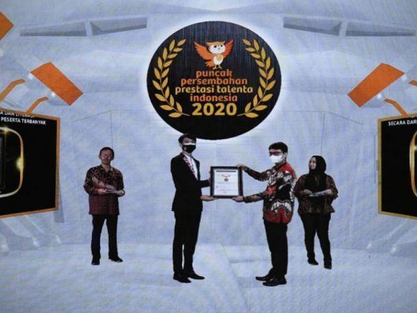 Kemendikbud Raih Empat Rekor Nasional MURI.