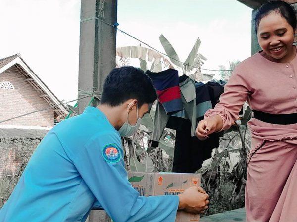 Peduli Kemanusiaan, SMAN 1 Pringgarata Galang Dana ke Warga