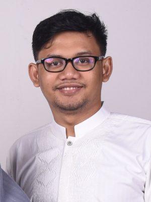 Rohman Qomarul Yakin, S.Pd