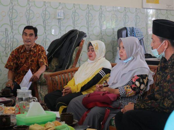 Rapat Pemilihan Komite Baru